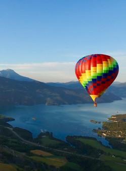 Vol en montgolfière à Serre-Ponçon (05)